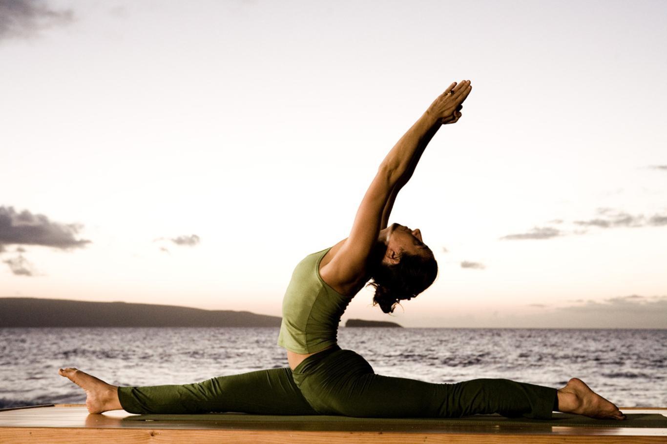 Yoga.jpg (1366×910)